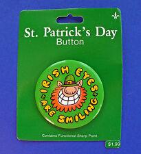 Gibson BUTTON PIN St Patrick Vintage LEPRECHAUN Irish Smiling Holiday NEW