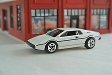Hot Wheels Lotus Esprit S1 James Bond 007 The Spy Who Loved Me  White Loose 1:64