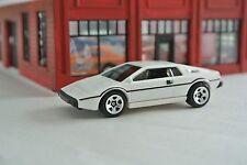 Hot Wheels Lotus Esprit S1 James Bond 007 The Spy Who Loved Me  White Loose 1:64