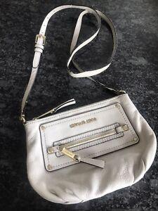 Pre-Loved MICHAEL Michael Kors Small Cream Crossbody Purse Hobo Bag READ