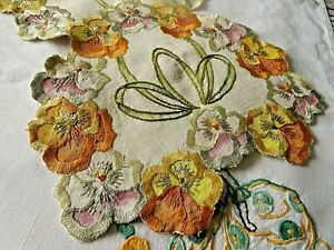 VINTAGE HAND EMBROIDERED TABLE RUNNER- EXQUISITE DETAIL