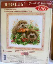"Riolis Cross Stitch Kit ""Hedge Hog in Berries"" #1469 New"