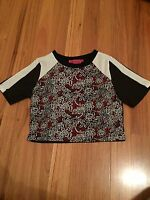 Women's Boohoo Patterned Tshirt Crop Top Size 8