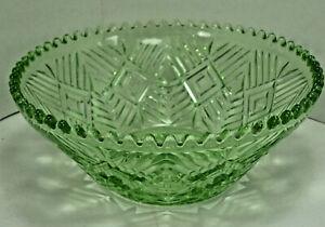 Green Pressed Glass Serving Bowl Art Deco Dessert Salad Fruit Dish Saw Tooth Rim