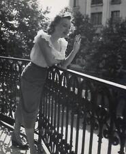 Line Renaud , balcon 1949