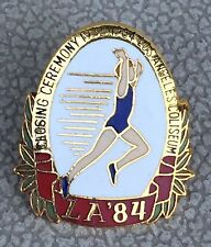 1984 OLYMPIC CLOSING CEREMONY 1934-1984 LA COLISEUM PIN - RUNNER