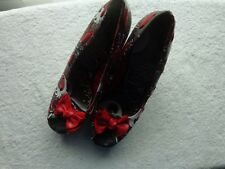IRON FIRST SIZE 8 M BLACK RED WHITE FLOWER PLATFORM WEDGE HEEL SHOES