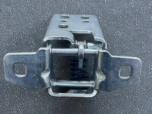 2003-09 DODGE RAM FRONT UPPER LEFT DRIVER DOOR HINGE OEM 55275631AB