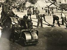 "ORIGINAL WAR OFFICE WW2 PHOTO 6x4"" Restoring The City Of Kiev Kneshohatik Street"