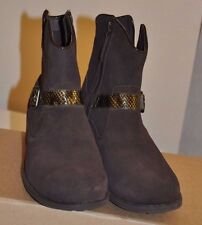 UGG Women's Milnor Belted Boots size 10