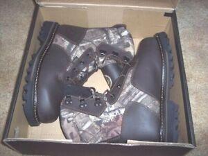Irish Setter Boots 8.5 Gunflint 2 Insulated Hunting Boots Waterproof Camo Boots