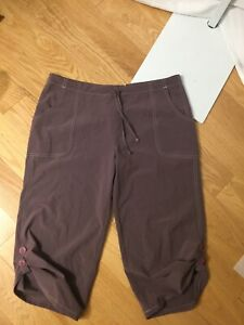 (t25)-- Lucy purple lightweight pull up activewear capri pants size S*