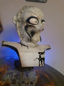 Droid bust 1.1 scale CZ Lifesize Prop bust display