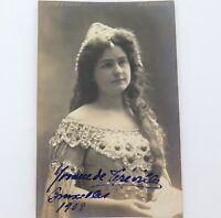 .RARE 1908 AMERICAN SOPRANO YVONNE de TREVILLE HANDSIGNED REAL PHOTO POSTCARD