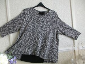 Marks & Spencer Black/White Knit Type Jumper/Top with Back Panel Size 22