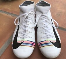 nike soccer shoes.Women's size 8
