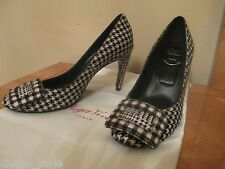 ICONIC RARE CLASSY ROGER VIVIER Ponyhair Black/White Belle De Nuit Pumps Shoes