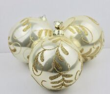 GISELA GRAHAM CHRISTMAS LACQUER OYSTER GOLD GLITTER LEAF SWIRL GLASS BAUBLE  X 3