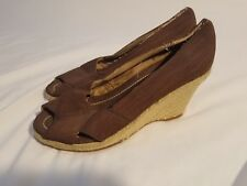 Apostrophe Wedge with 3½ inch Heel Comfy Shoe Size 8 Peep toe Brown