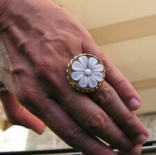 RING SHELL CAMEO ART TO WEAR MODERNIST flowers SIZE 7 1/2