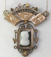 VICTORIAN ANTIQUE GOLD FILLED BOOK CHAIN HARD STONE CAMEO PENDANT