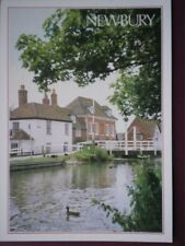 POSTCARD BERKSHIRE NEWBURY - SWING BRIDGE AND COTTAGES