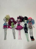 Lot Of 5 Mattel Monster High Dolls With Some Shoes, Cloths & Accessories