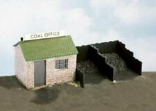 WILLS - SS15 - Coal Yard & Hut with Plastic Coal - OO SCALE - REQUIRES BUILDING!