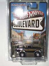 2013   HOT WHEELS  BOULEVARD   1988 JEEP WAGONEER