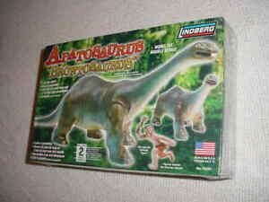 LINDBERG APATOSAURUS BRONTOSAURUS  MODEL KIT # 70281  (NISB)