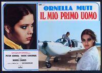 T107 Fotobusta El mi Primer Uomo Ornella Muti Peter Corral Mario Camus Avión