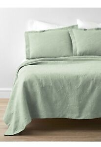 New The Company Store Putnam Palm Green Matelasse Queen Coverlet