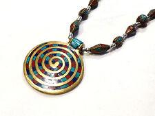 Bijou collier ethnique pendentif médaillon laiton incrusté de pierres turquoise
