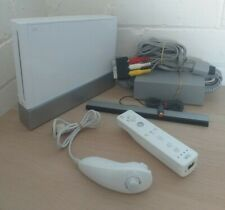 NINTENDO WII CONSOLE BUNDLE - COMPLETE SET UP TESTED WORKING