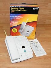 AT&T Cordless Digital Answering System (7625) White Telephone 25 Channel *READ*