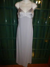 LAUNDRY by SHELLI SEGAL SILVER  POLYESTER SPANDEX SPAGHETTI STRAP GOWN SIZE 4