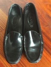 TOD'S Black Shinny Leather loafer driving shoes size 9