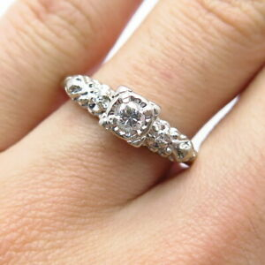 Her Majesty Antique 14K Gold Center Diamond Approx. 0.20ct H SI2 Ring Size 7 3/4