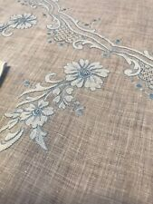 """VTG Madeira Blue Floral Hand Embroidery Oval Tablecloth 86""""x 70"""" and 6 Napkins"""