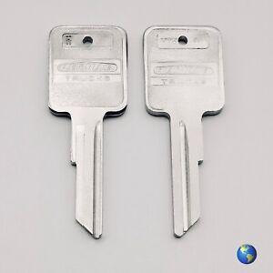 ORIGINAL 1584 Key Blanks for Various Models by Freightliner (2 Keys)