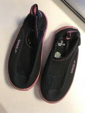 SPEEDO~Black w Pink Soles SLIP ON WATER SHOES~Kids Child Size Large (9-10)