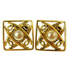 "Authentic CHANEL Vintage CC Logos Imitation Pearl Earrings 1.5 - 1.5 "" V09501"