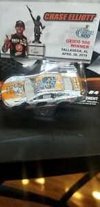 Chase Elliott 2019 Wave 9 Little Caesars 1:64 WIN RACED VERSION LIONEL NIB NICE