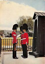 BF38229 changing the guard tower of london  military  uk queen king royalty