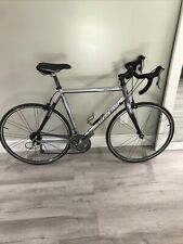 """Trek 2100 carbon tech. 30 speed road bike Women size 22"""" 1/2 / 57cm"""
