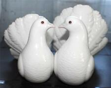 Vintage Lladro White Glazed Porcelain Kissing Doves Couple Figurine #1169