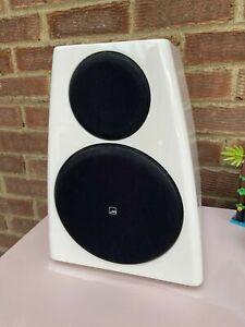 (£3,249.60 RRP) Meridian dsp 3200 speakers very light use