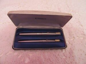 VINTAGE PARKER PEN SET FOUNTAIN AND BIRO WITH ORIGINAL BOX