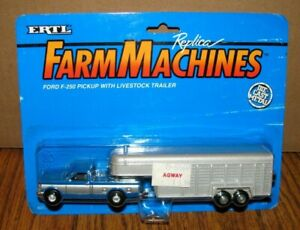 *Ford F250 Blue Pickup Truck & Livestock Trailer 1/64 Ertl Toy Farm Machine #311