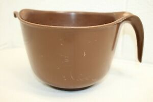 Vintage Rubbermaid BROWN 12 Cup Measuring Mixing Batter Bowl 2663 w bottom ring!